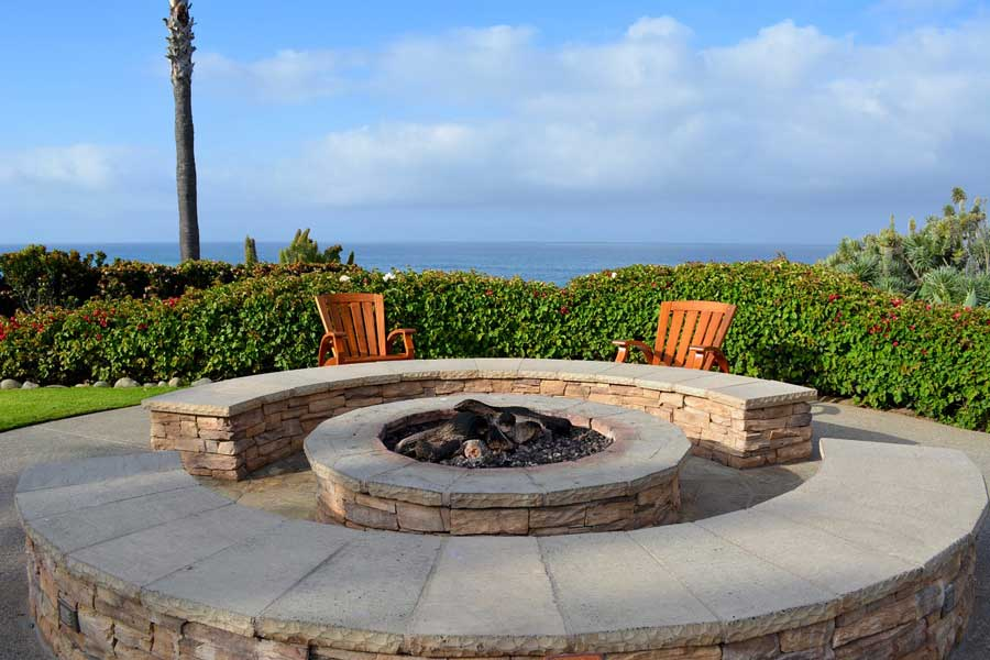Outdoor Gas Fire Pits feature